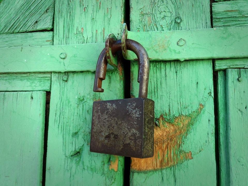 Open look Green Padlock